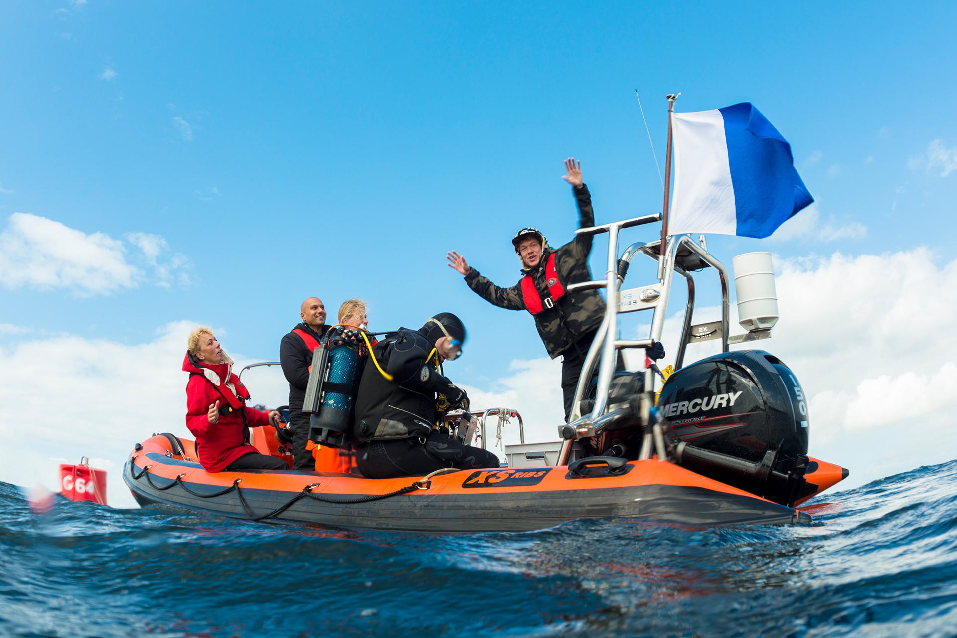 Klokhuis team op boot - Melvin Redeker