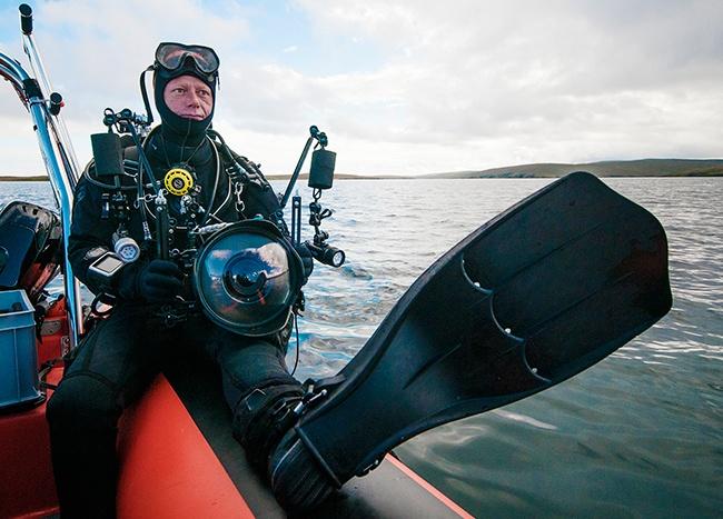 avonturier Melvin Redeker in duikuitrusting